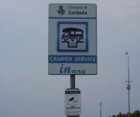 Parcheggio con camper service