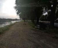 Parcheggio sul fiume