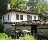 Parcheggio della città museo di Boshenzi (Боженци)