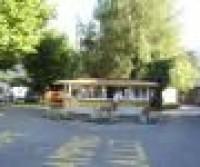 Wohnmobil und Wohnwagenstellplatz