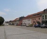 Parcheggio nella piazza centrale