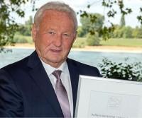Il proprietario di Hobby, Harald Striewski, celebrato dalla Fiera di Düsseldorf